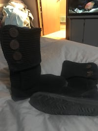 Used Pair Of Black Ugg Cardy Knit Boots For Sale In Bracebridge Letgo