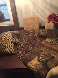 Leopard /cheetah decor  Toronto, M6N 4P9