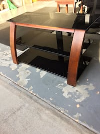 Tv stand ( originally from target, good condition) Davenport, 33897