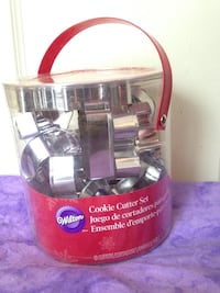 New Wilton metal Christmas cookie cutters baking set New Paltz, 12561