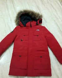 chaqueta de parka The North Face roja