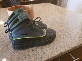 Nike Boots size 5.5y