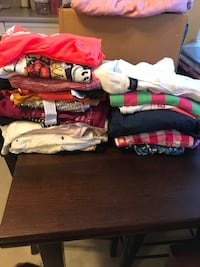 22 shirts all size S and XS  Concord, 94520