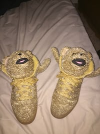 Jeremy Scott's Gold Bear  32 mi