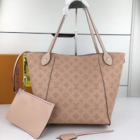 Louis Vuitton Purse  376 mi
