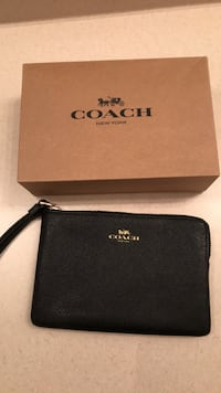 Black Coach leather wristlet Vaughan, L4K