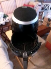 Cooks air fryer 5.3 quart. Used only 2 times.  Works great
