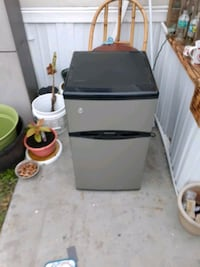 Mini fridge great condition obo need gone today Tampa, 33615