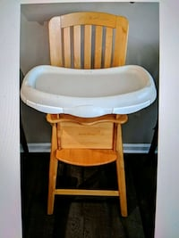 Eddie Bauer Natural Wood High Chair Centreville, 20121