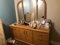 Dresser and bed frame with beside drawers Kleinburg, L4H 4H8
