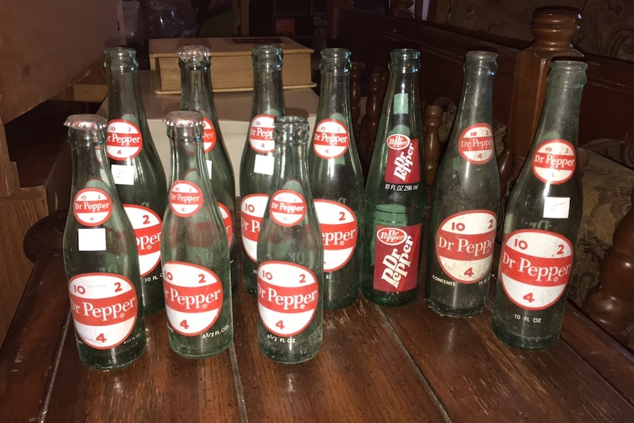 Photo OLD DR Pepper bottles:10 fl oz and 6 1/2 oz, 10 in all $30