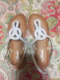 pair of brown-and-white leather sandals Leto, 33614