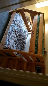 Bunk bed with drawer stairs  Moreno Valley, 92551