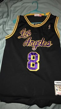 black and yellow Los Angeles Lakers 24 jersey size M Indio, 92203