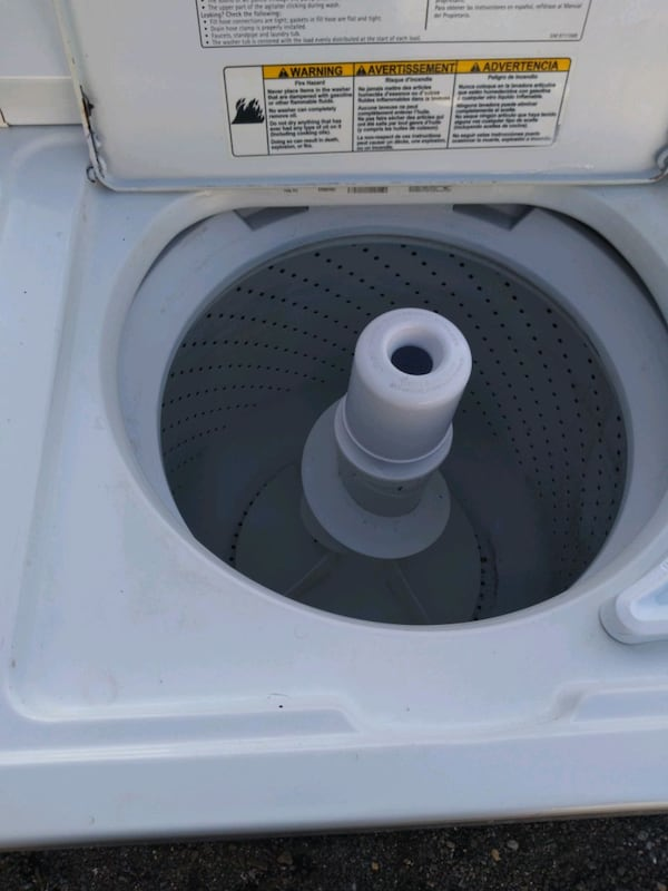 Whirlpool heavy duty washer and dryer set works good 6 month warranty 130062ba-90b5-4951-b457-999e6ccc0075
