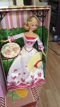 Elegant Barbies. Limited Edition or Exclusive From Avon   Innisfil, L9S 1T6