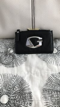 Beautiful !!! Guess black leather wristlet Gainesville, 20155