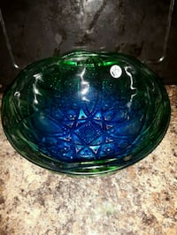 Dish /Bowl ..cut glass Belleville, K8N 4Y9