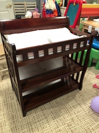 Free changing table, lamps, and nursery decorations Arlington, 22201