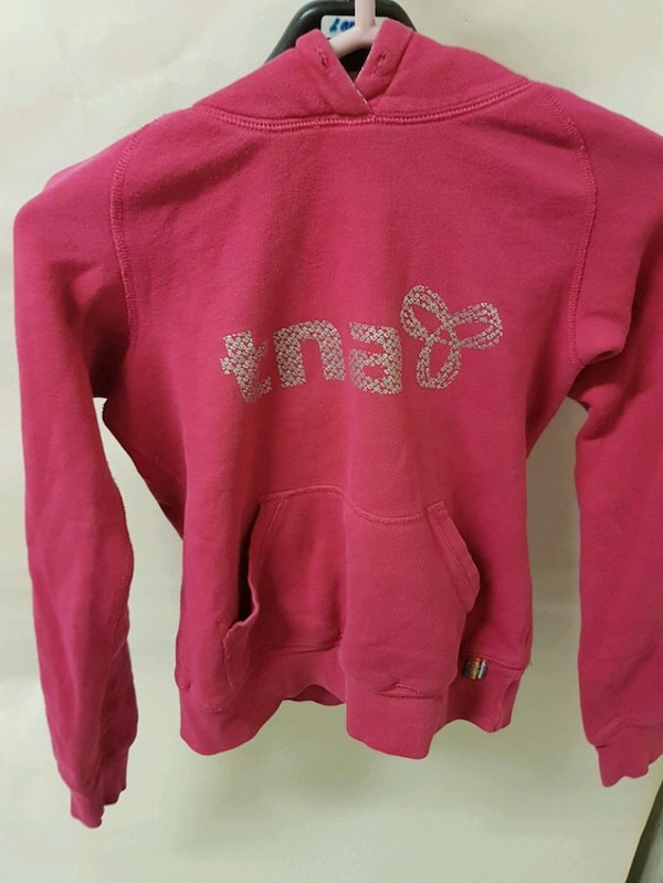 Two like new tna hoodies a44ee79e-afee-4ea3-8cca-aff0bc839207