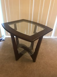 Side Table Arlington, 22201