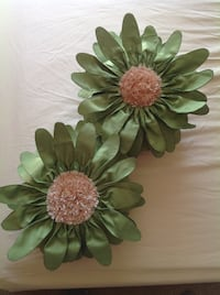 green fabric flower decor CLERMONT