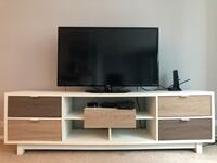 """Avada TV Stand for TVs up to 70"""" Chicago, 60605"""