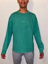 OBEY OVERSIZED LONG SLEEVE  Toronto, M6J 1H9