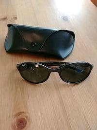 Rayban Cutters RB2045 W3121 with case Vancouver, V6Z