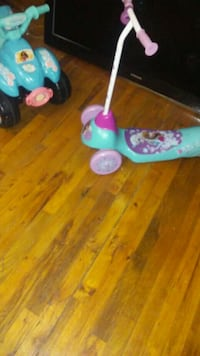 toddler's blue and pink kick scooter Macon, 31206