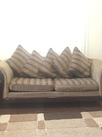 gray and white fabric loveseat Whitby, L1P