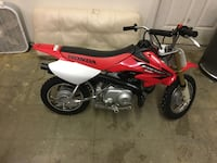 Crf 50 only 5 hours on it Branford, 06405