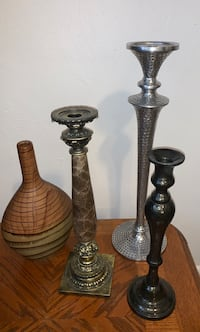 two brown wooden candle holders Norfolk, 23503