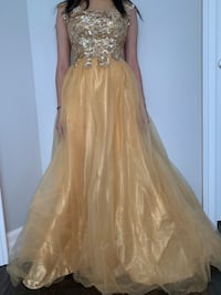 Gold A-Line evening gown size 2 Pickering, L1V 1T5