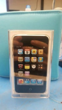 A1288 8gb ipod touch never been opened  Mount Laurel, 08054