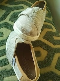 TOMS for babies white and brown low-top sneaker Toronto, M5B 2B9