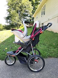 Baby Trend jogging stroller and carseat.  Great condition! 2 bases too Westminster, 21158