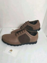 pair of brown-and-black leather shoes Markham, L3T 4W7