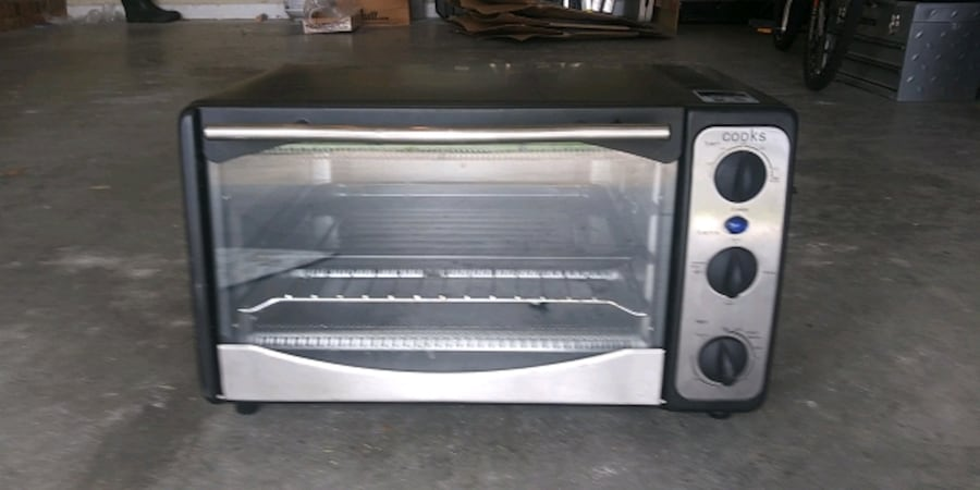 Toaster oven 1fd01a56-23b3-4574-9778-6011b096a506