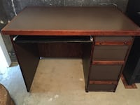 Desk - 3 drawer Langley, V1M 4E1
