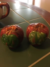 two green and red ceramic bowls