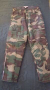 Tan and green camouflage pants Erie, 16503