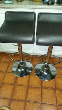2 stools dark brown $60 Brampton