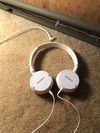 Sony headphones Centreville, 20120