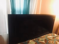 Black queen headboard Paterson, 07514