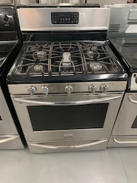Stainless Steel Frigidaire gas stove Montreal