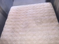 white and gray floral mattress Gainesville, 32607