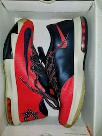 DC KD size 10 Camp Springs, 20746