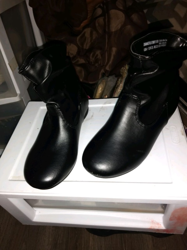 Obo Girls shoes size 13-1 5
