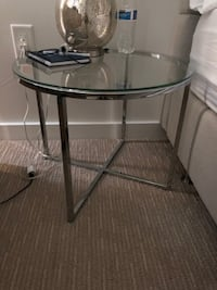 round clear glass top table with black metal base Arlington, 22205